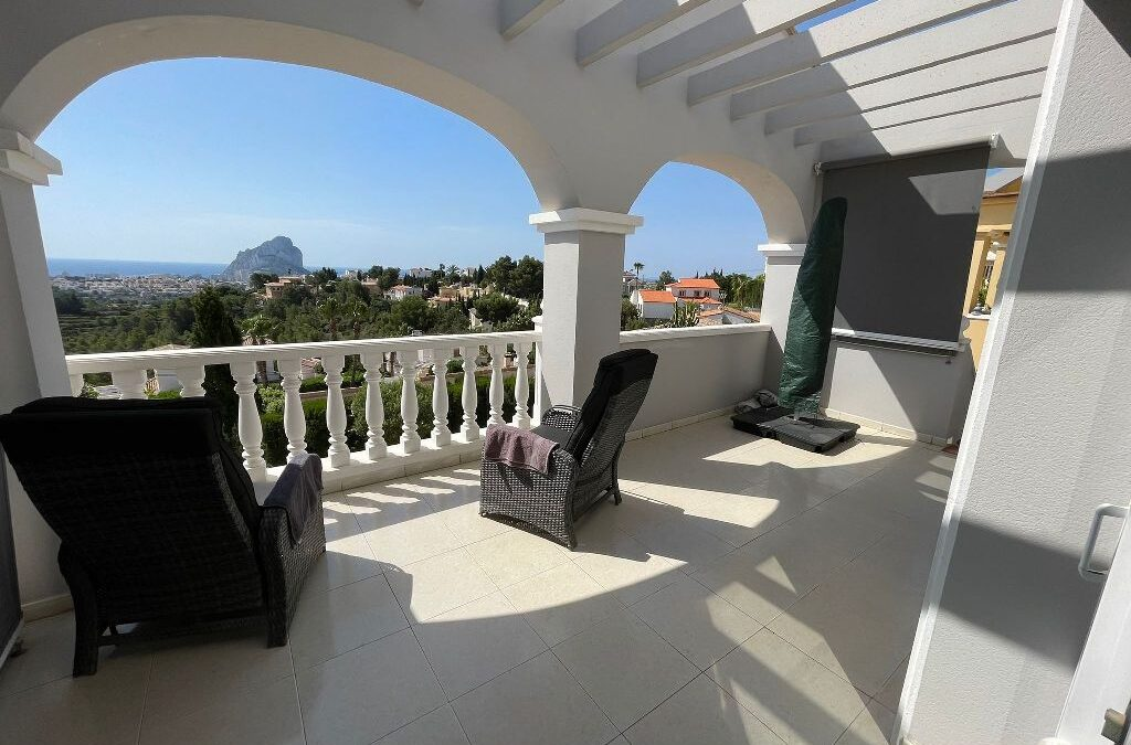 Bungalow met uitzicht in een exclusieve woonwijk in Colina del Sol Calpe