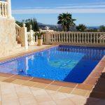 Piscine dans villa de luxe à Calpe, région de Cucarres
